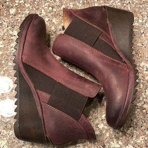 Comfortiva altair wedge booties leather eggplant